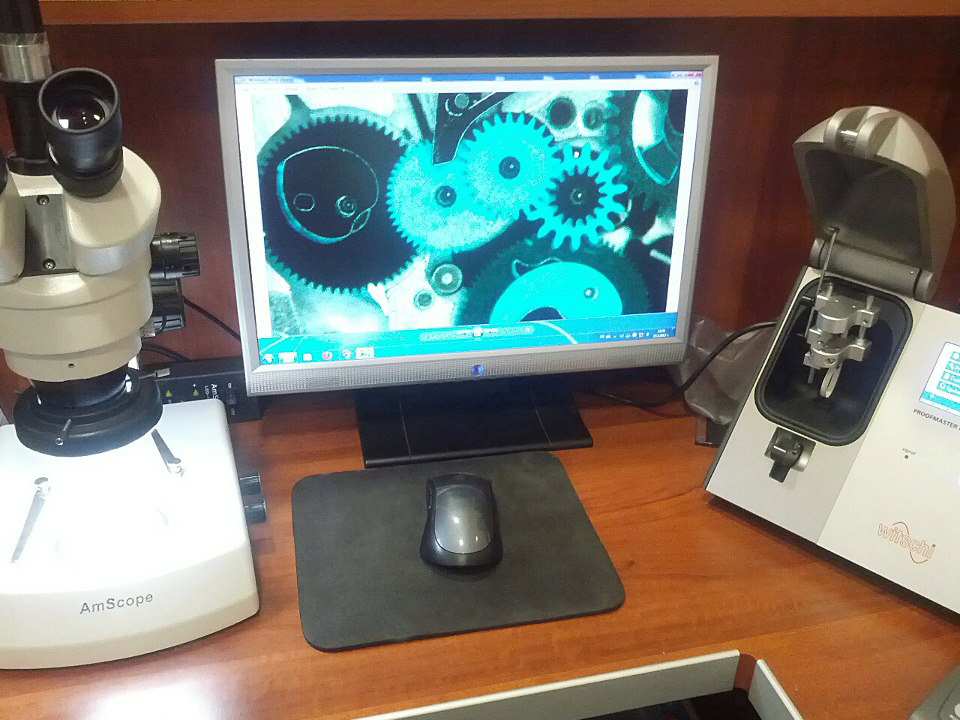 microscope with built-in digital camera
